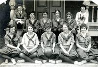 Basketball -- Team (1916-1917)